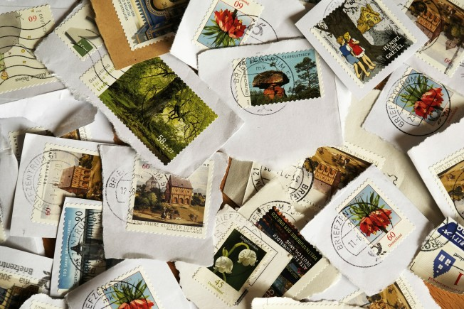 postage-stamps-484991_1920